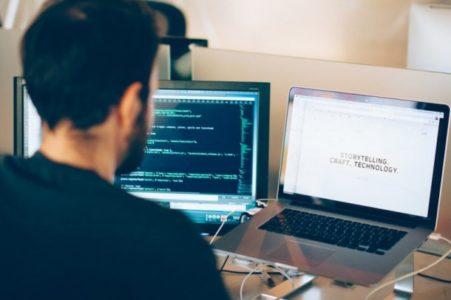 Lo stipendio di un ingegnere informatico al mese